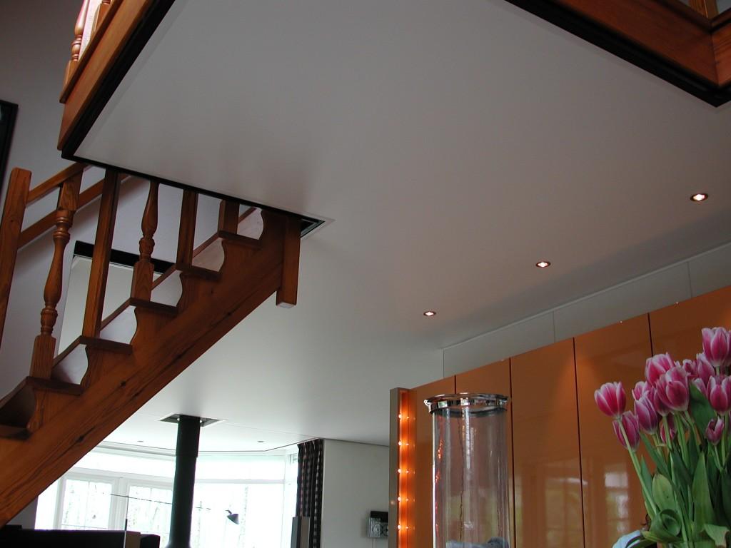 Woonkamer plafond van plameco in 1 dag.